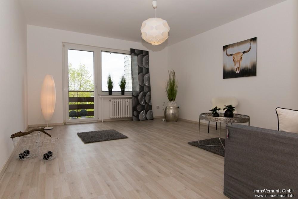 Renovierte 2 Zimmer Wohnung in Mülheim Stadtmitte  auf 68 m² 45473 Mülheim an der Ruhr, Etagenwohnung
